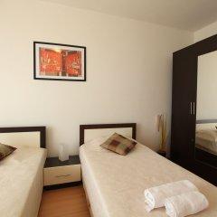 Апартаменты New Line Village Apartments комната для гостей