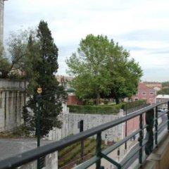 Отель Lisbon Economy Guest Houses Old Town I балкон