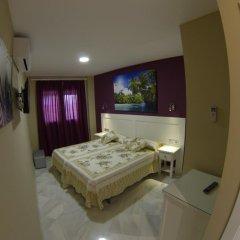 Отель Hostal Bodega сейф в номере