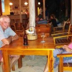 Отель Freebeach Resort гостиничный бар