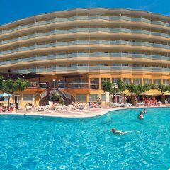 Отель Medplaya Hotel Calypso Испания, Салоу - отзывы, цены и фото номеров - забронировать отель Medplaya Hotel Calypso онлайн бассейн фото 3