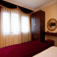 Отель Blue Mosque Suites Стамбул сейф в номере