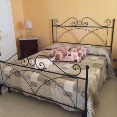Отель B&B Villa Prisiclla Италия, Чинизи - отзывы, цены и фото номеров - забронировать отель B&B Villa Prisiclla онлайн комната для гостей фото 5