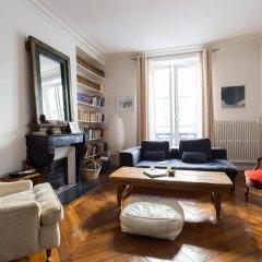 Отель onefinestay Montmartre South Pigalle private homes Париж комната для гостей фото 3