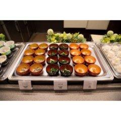 Отель Dormy Inn Tokyo-Hatchobori Natural Hot Spring питание фото 3