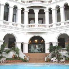 Отель Grand Sole Pattaya Beach Hotel Таиланд, Паттайя - отзывы, цены и фото номеров - забронировать отель Grand Sole Pattaya Beach Hotel онлайн бассейн фото 2