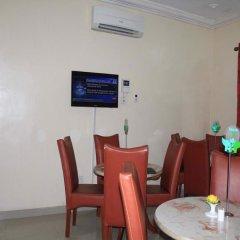 Отель Tyndale Residence Ltd интерьер отеля фото 2