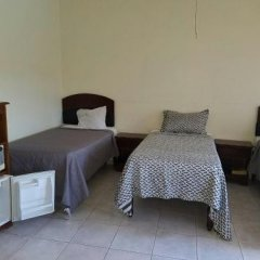 Отель Tropical Court Resort Near Montego Bay Airport сейф в номере