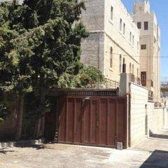 St-Thomas Home Израиль, Иерусалим - отзывы, цены и фото номеров - забронировать отель St-Thomas Home онлайн вид на фасад