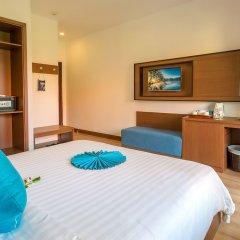 Отель Agribank Hoi An Beach Resort сейф в номере
