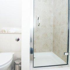 Отель LBS Victoria Великобритания, Лондон - отзывы, цены и фото номеров - забронировать отель LBS Victoria онлайн ванная