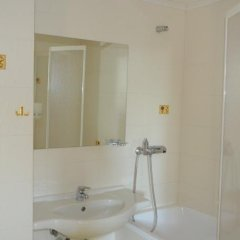 Отель Plaza Болгария, Бургас - отзывы, цены и фото номеров - забронировать отель Plaza онлайн ванная фото 2