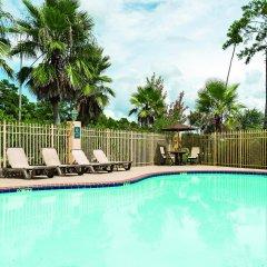 Отель La Quinta Inn & Suites Covington бассейн фото 2