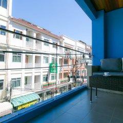 Отель The House Patong балкон