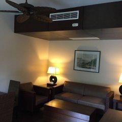 Отель DuSai Resort & Spa сейф в номере
