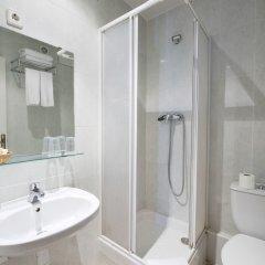 Отель Hostal Guilleumes ванная