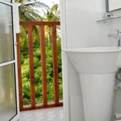 Отель Airport Comfort Inn Maldives Мале ванная