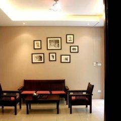 Отель Feung Nakorn Balcony Rooms and Cafe Бангкок интерьер отеля фото 3
