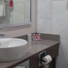 Отель Econo Lodge South Calgary Канада, Калгари - отзывы, цены и фото номеров - забронировать отель Econo Lodge South Calgary онлайн ванная