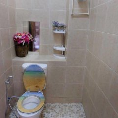 Отель Krabi Host Family - Hostel Таиланд, Краби - отзывы, цены и фото номеров - забронировать отель Krabi Host Family - Hostel онлайн ванная
