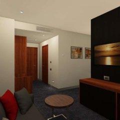 Отель Ramada and Suites by Wyndham Yerevan комната для гостей фото 5