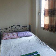Отель Samsen 6 Guesthouse Бангкок комната для гостей фото 5