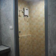 April 24 Home Hostel Бангкок ванная