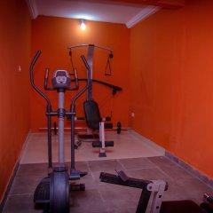 Отель Appiah's Royal Suites фитнесс-зал