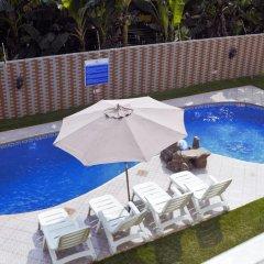 Kingsbridge Royale Hotel бассейн