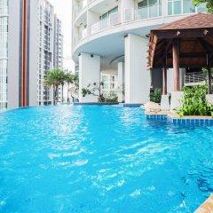 Отель Sky Walk Condominium By Favstay Таиланд, Бангкок - отзывы, цены и фото номеров - забронировать отель Sky Walk Condominium By Favstay онлайн бассейн фото 3