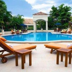 Отель Clarion Hotel Real Tegucigalpa Гондурас, Тегусигальпа - отзывы, цены и фото номеров - забронировать отель Clarion Hotel Real Tegucigalpa онлайн бассейн