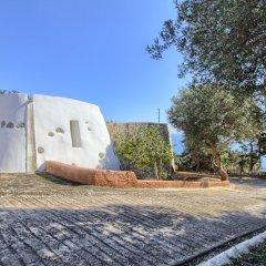 Отель Scogliera del Gabbiano Италия, Гальяно дель Капо - отзывы, цены и фото номеров - забронировать отель Scogliera del Gabbiano онлайн парковка