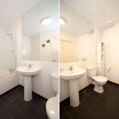 Отель Veeve Top Of The World White Lion Street 2 Bed Penthouse Islington Лондон ванная
