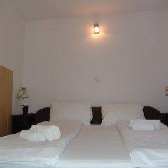 Hotel Maksimir сейф в номере