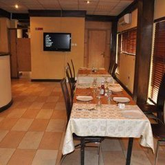 Solitude Hotel Yaba Лагос питание