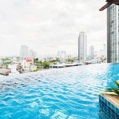 Отель Sky Walk Condominium By Favstay Таиланд, Бангкок - отзывы, цены и фото номеров - забронировать отель Sky Walk Condominium By Favstay онлайн бассейн фото 2