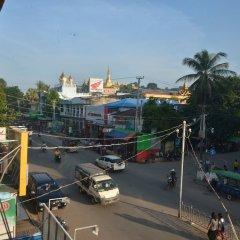 Отель Smile Motel Мьянма, Пром - отзывы, цены и фото номеров - забронировать отель Smile Motel онлайн балкон