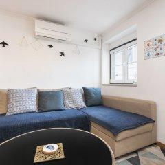 Отель Feels Like Home - Alfama Duplex комната для гостей фото 4