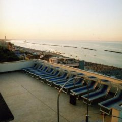 Hotel Metropol Гаттео-а-Маре приотельная территория