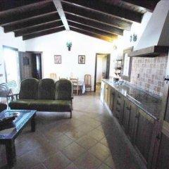 Отель Casas Con Piscina En Roches Испания, Кониль-де-ла-Фронтера - отзывы, цены и фото номеров - забронировать отель Casas Con Piscina En Roches онлайн интерьер отеля