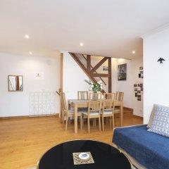 Отель Feels Like Home - Alfama Duplex комната для гостей фото 2
