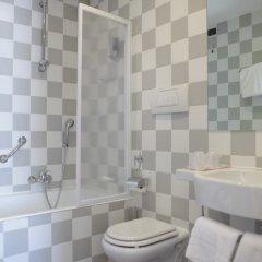 Hotel Roma Tor Vergata Рим ванная фото 2