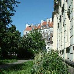 Globetrotter Hostel Варшава приотельная территория фото 2