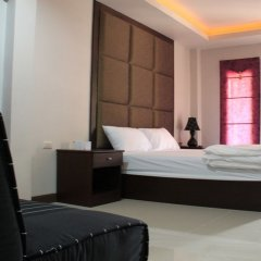The Leaf Hotel Koh Larn сейф в номере
