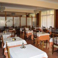 Отель Hostal Gallet Испания, Курорт Росес - отзывы, цены и фото номеров - забронировать отель Hostal Gallet онлайн питание фото 3