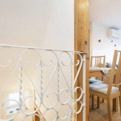 Отель Feels Like Home - Alfama Duplex комната для гостей