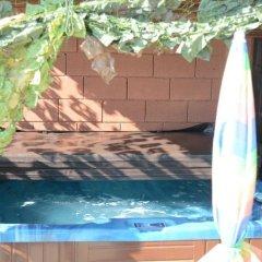 Отель Green Valley Guest Houses & SPA бассейн