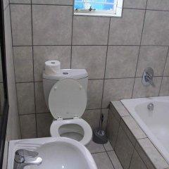 Отель 10 Cadoza BnB ванная