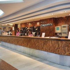 Отель Medplaya Hotel Calypso Испания, Салоу - отзывы, цены и фото номеров - забронировать отель Medplaya Hotel Calypso онлайн интерьер отеля