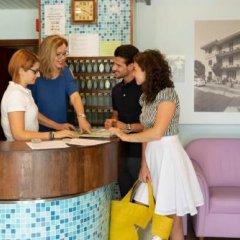 Отель Albicocco Италия, Риччоне - отзывы, цены и фото номеров - забронировать отель Albicocco онлайн интерьер отеля фото 2